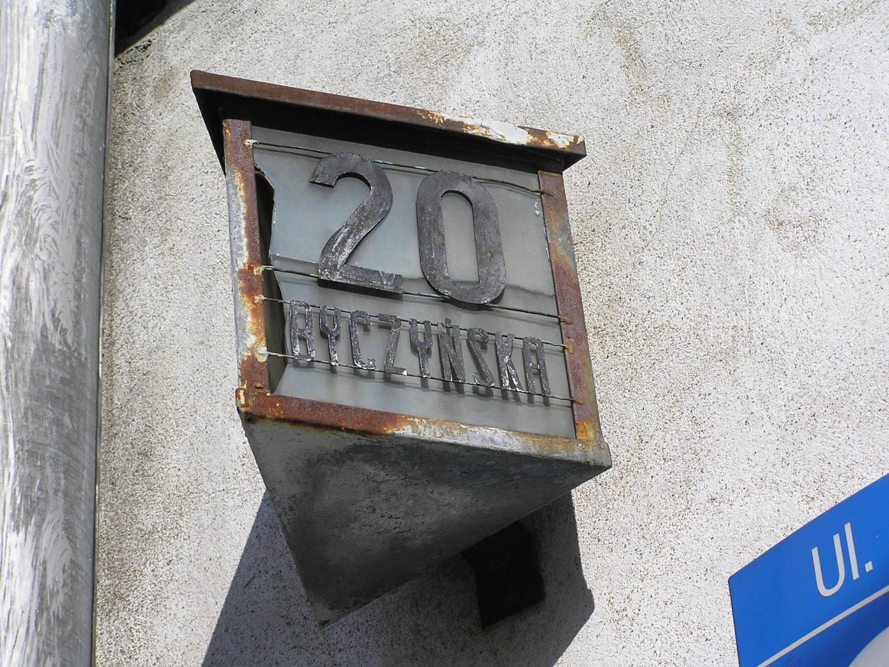 Latarenka adresowa - Byczyńska 20