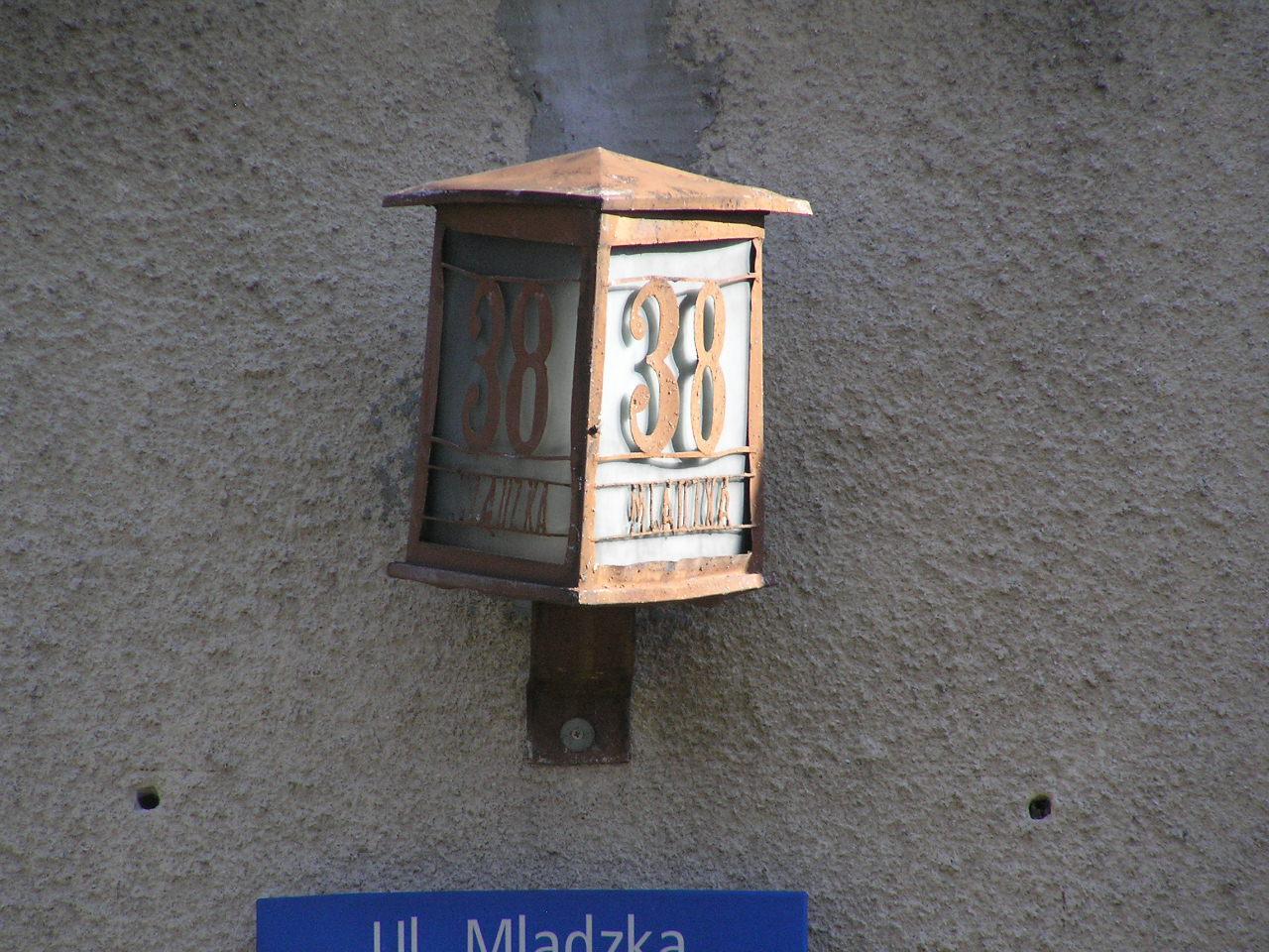Latarenka adresowa - Mlądzka 38
