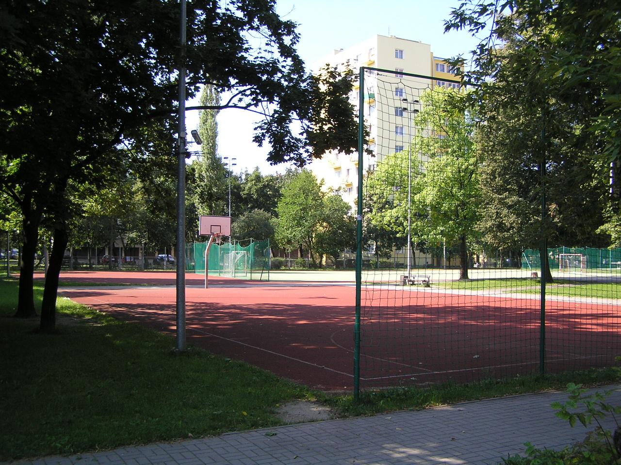 Nowe boisko przy Szkole Podstawowej nr 141