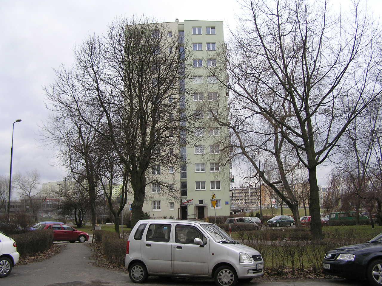 Budynek przy ulicy Rozłuckiej 2 na Grochowie