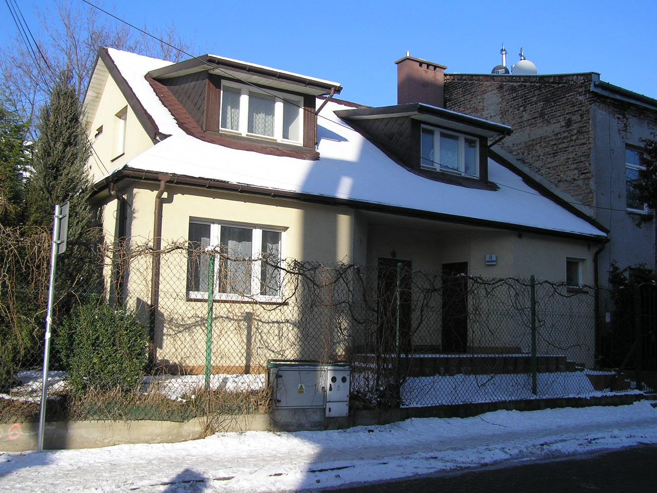 Dom przy ulicy Kruszewskiego 8 na Grochowie