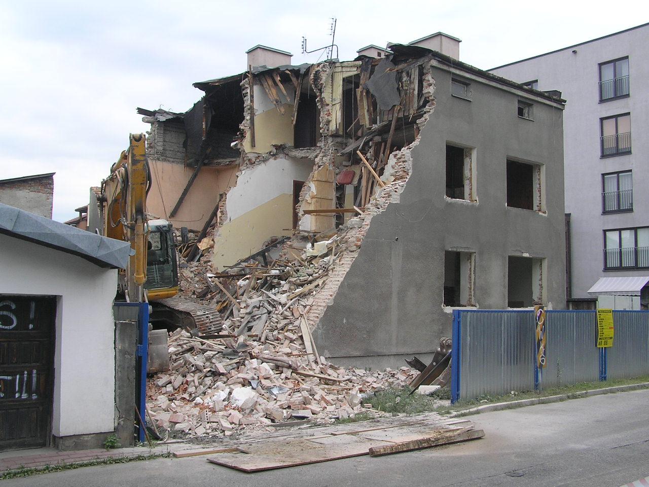 Liwiecka 3 legła w gruzach. To był jedyny przedwojenny dom na ulicy