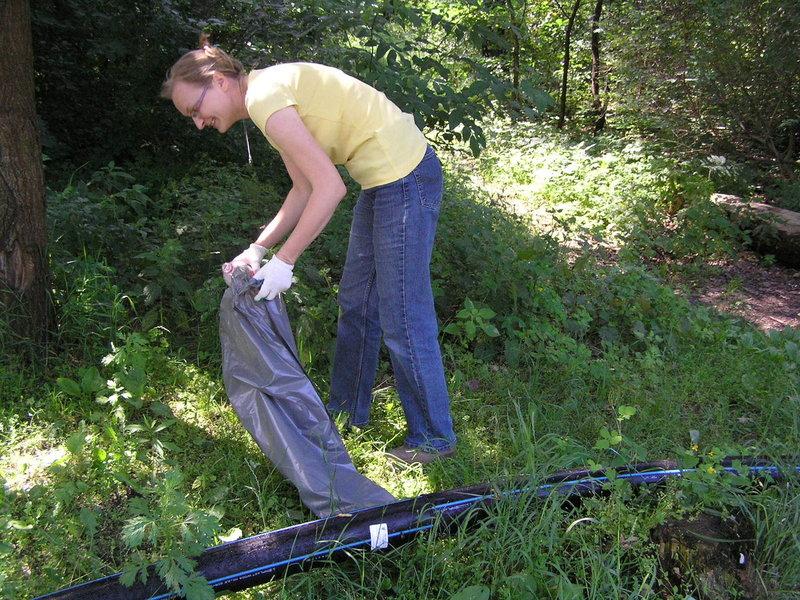 Mieszkańcy posprzątali teren rezerwatu