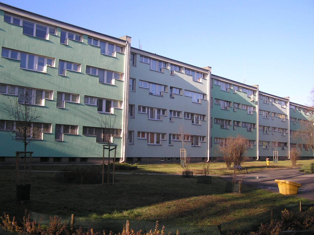 Budynek przy ulicy Osowskiej 89 na Grochowie