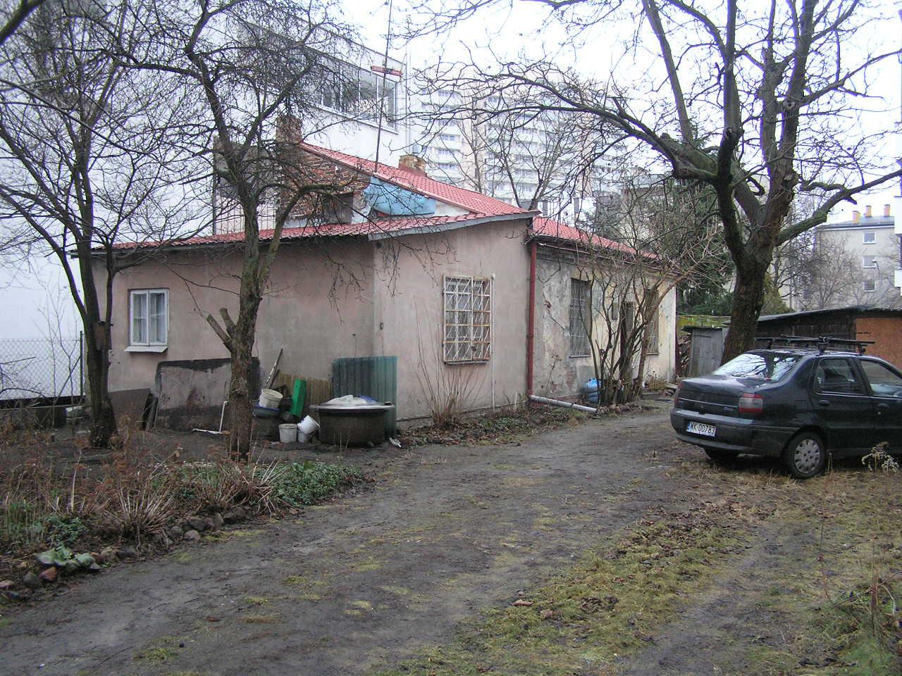 Dom przy ulicy Czapelskiej 28
