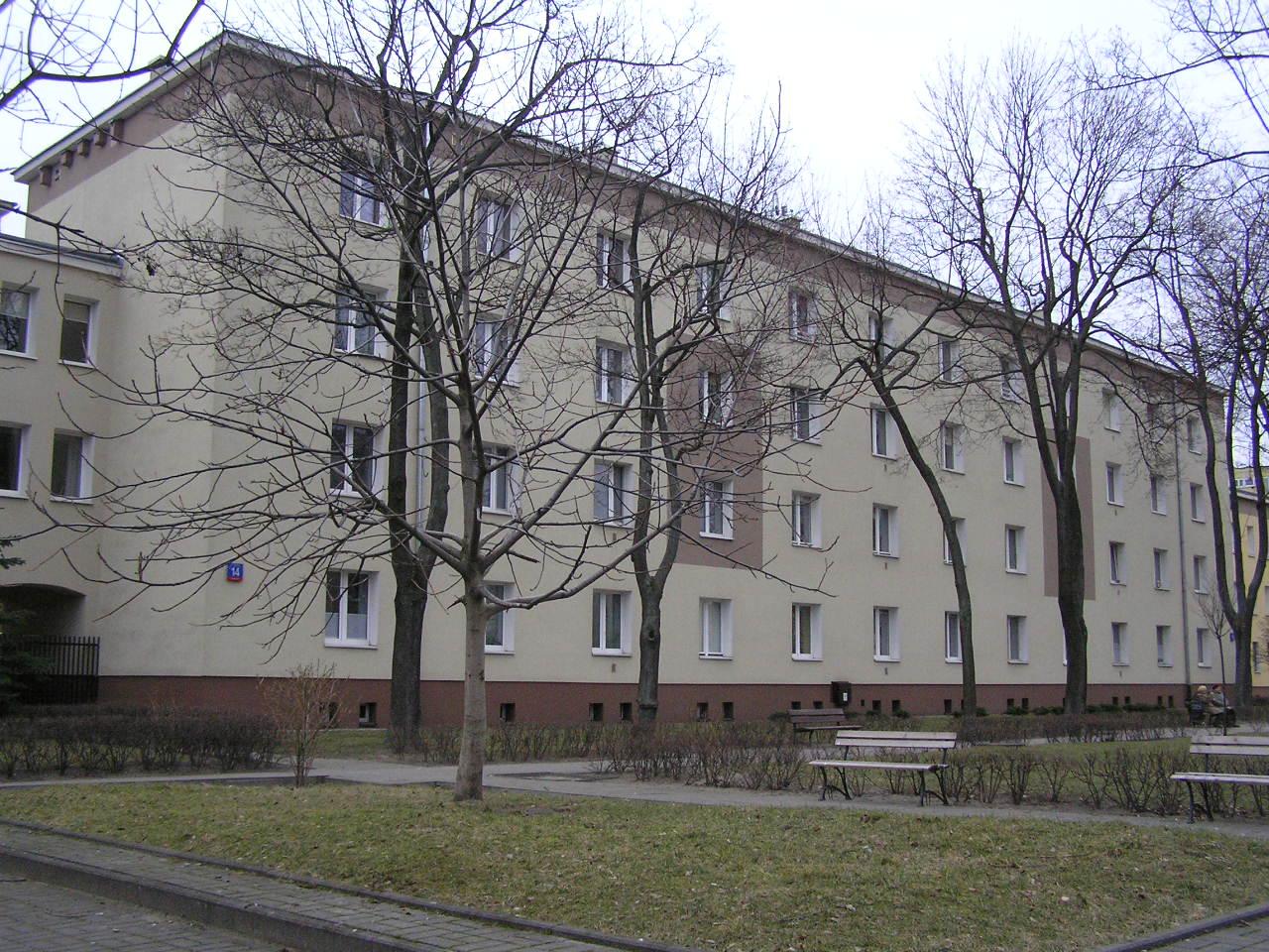 Budynek przy ulicy Rozłuckiej 14 na Grochowie