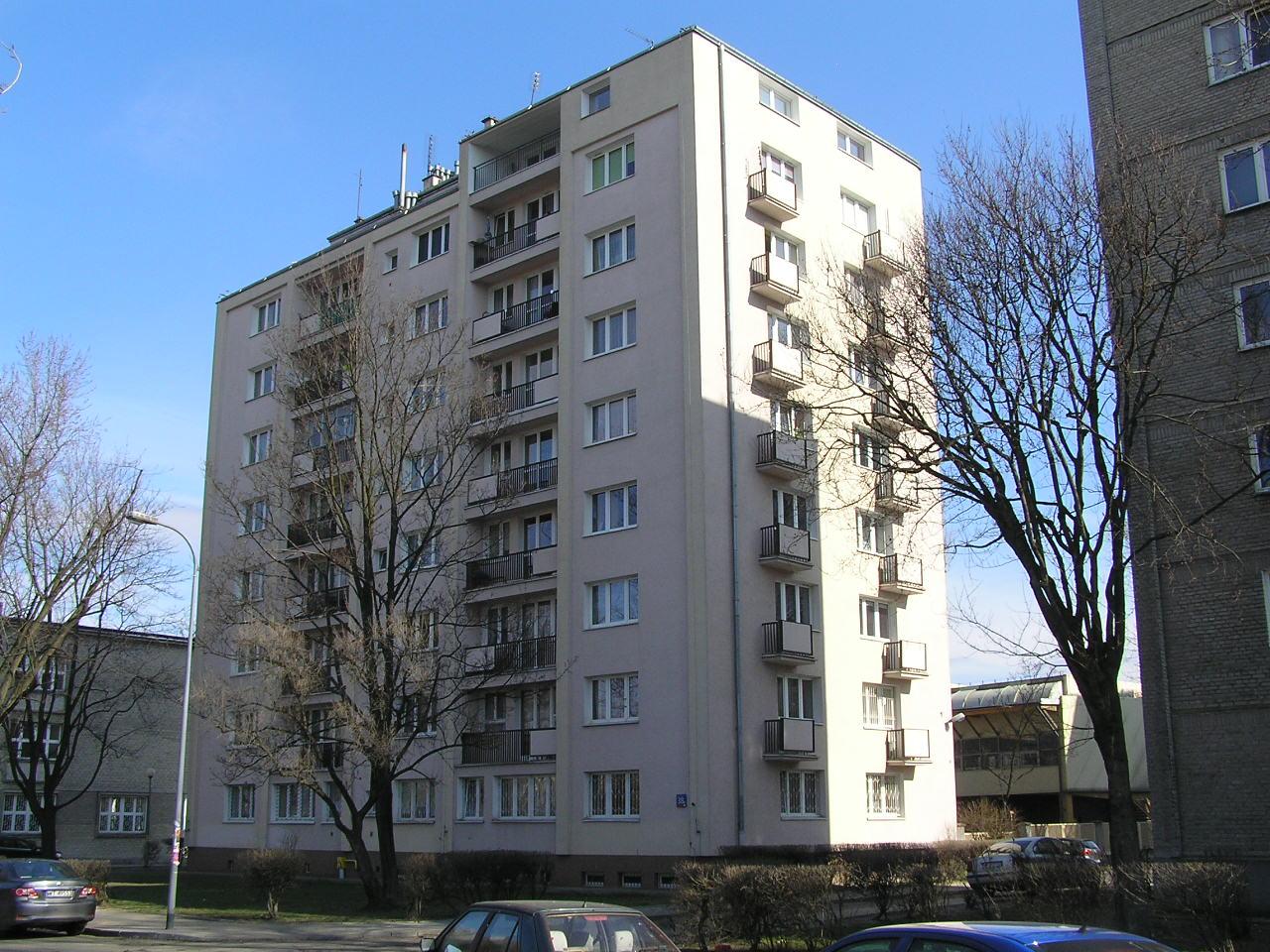 Budynek przy ulicy Siennickiej 38A na Grochowie