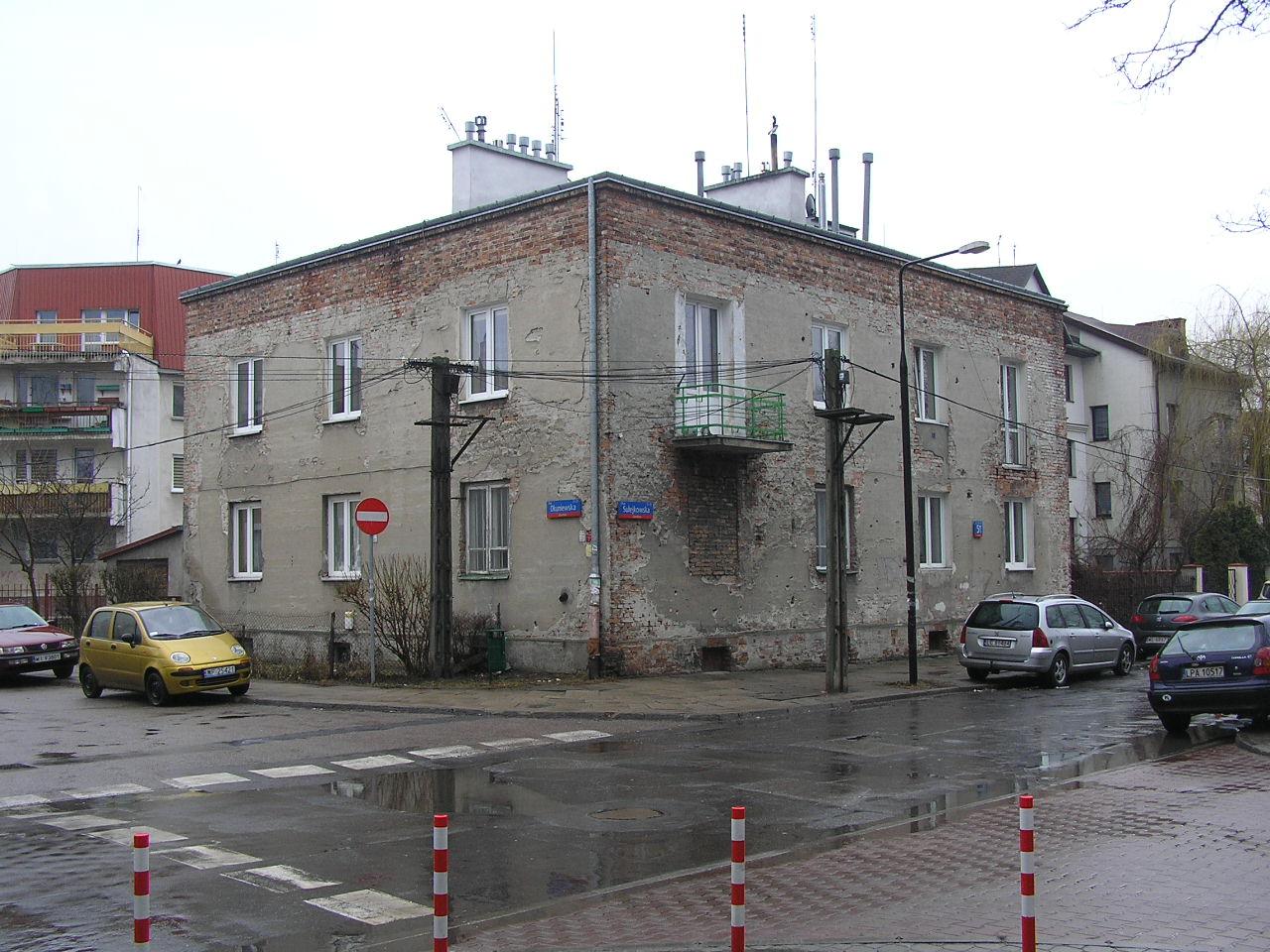 Kamienica przy Sulejkowskiej 51 na Grochowie