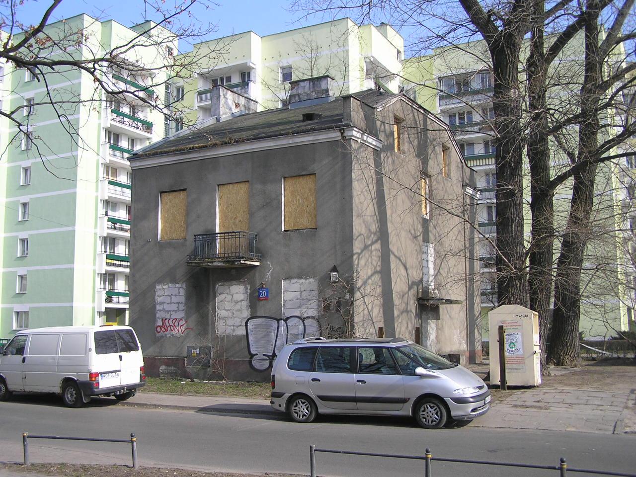 Kamienica przy ulicy Mlądzkiej 20 na Grochowie