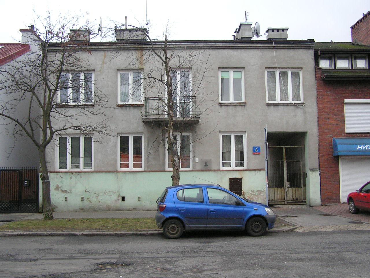 Kamienica przy ulicy Tomasza Zana 6 na Grochowie