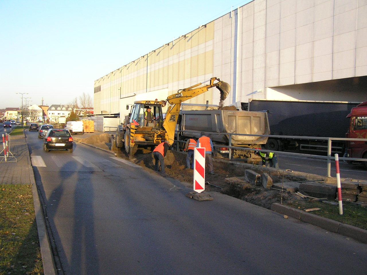 Naprawa chodnika na ulicy Jubilerskiej