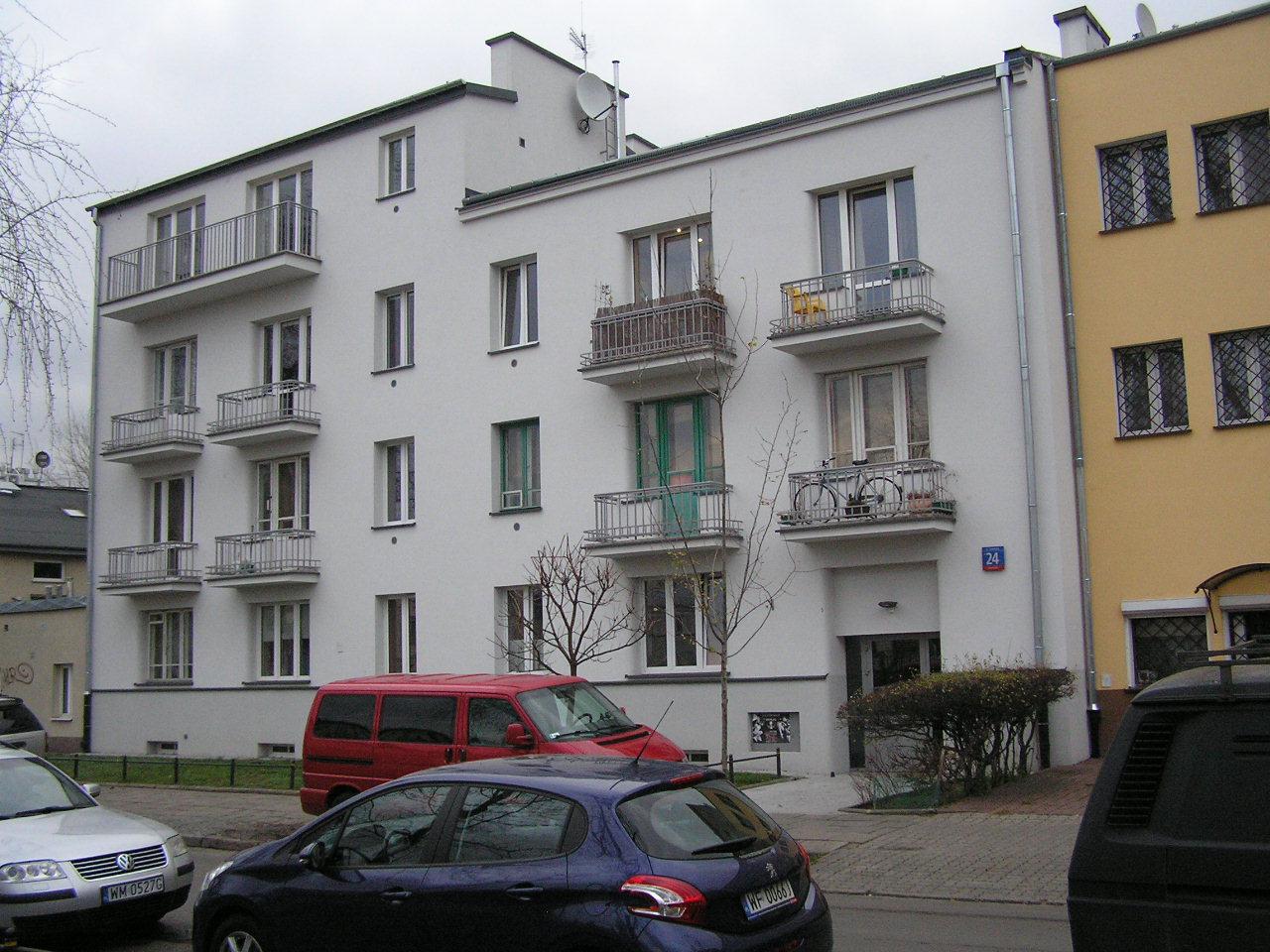 Budynek przy Siennickiej 24 na Grochowie