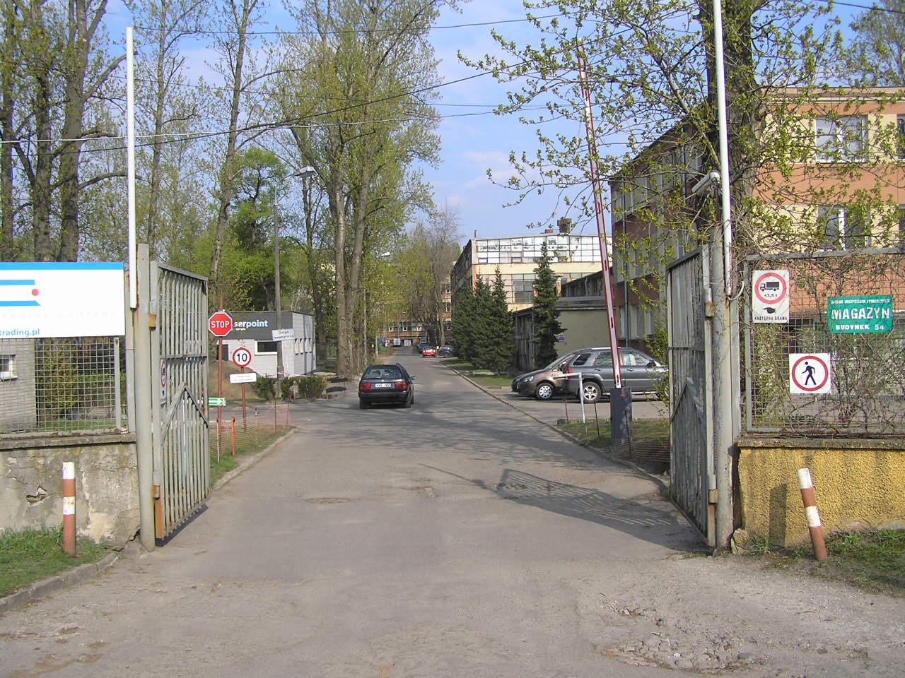 Zabudowania przy Podskarbińskiej 32/34 na Grochowie