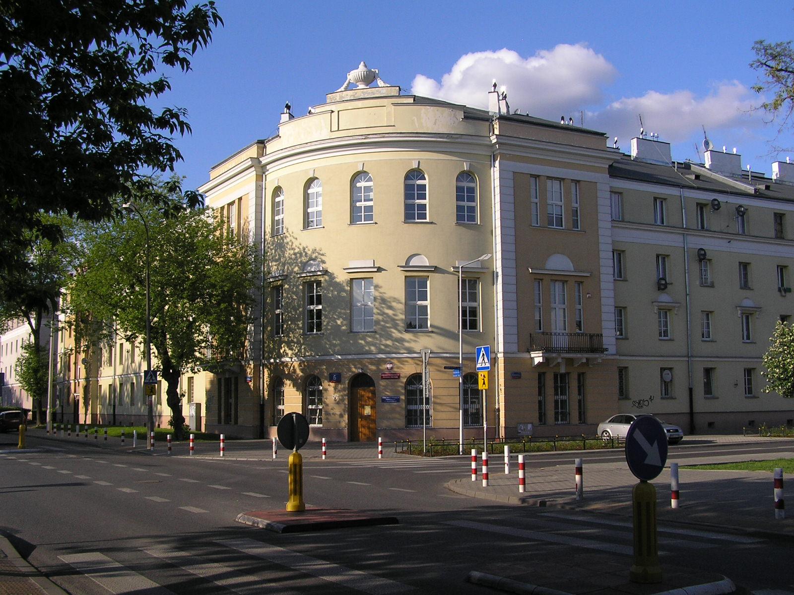 Podskarbińska 6 siedzibą trzech wydziałów