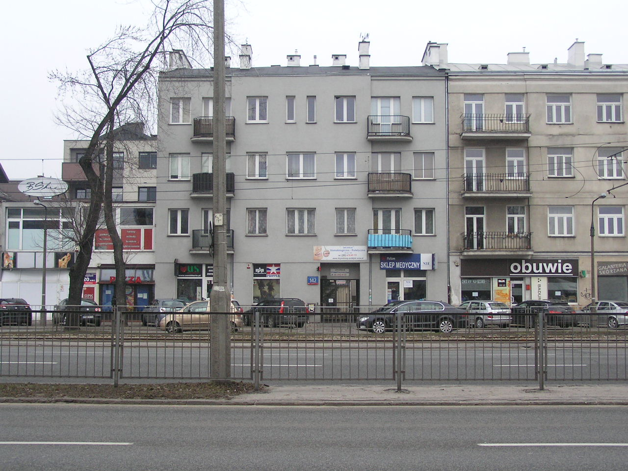 Kamienica przy ulicy Grochowskiej 142 na Grochowie