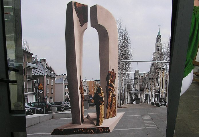 Pomnik Piotra Szembeka stanie na przebudowanym placu