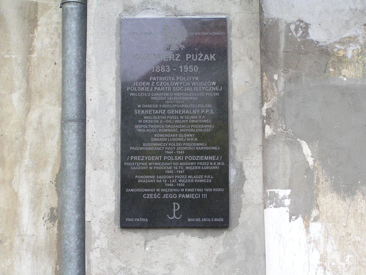 Tablica pamięci Kazimierza Pużaka