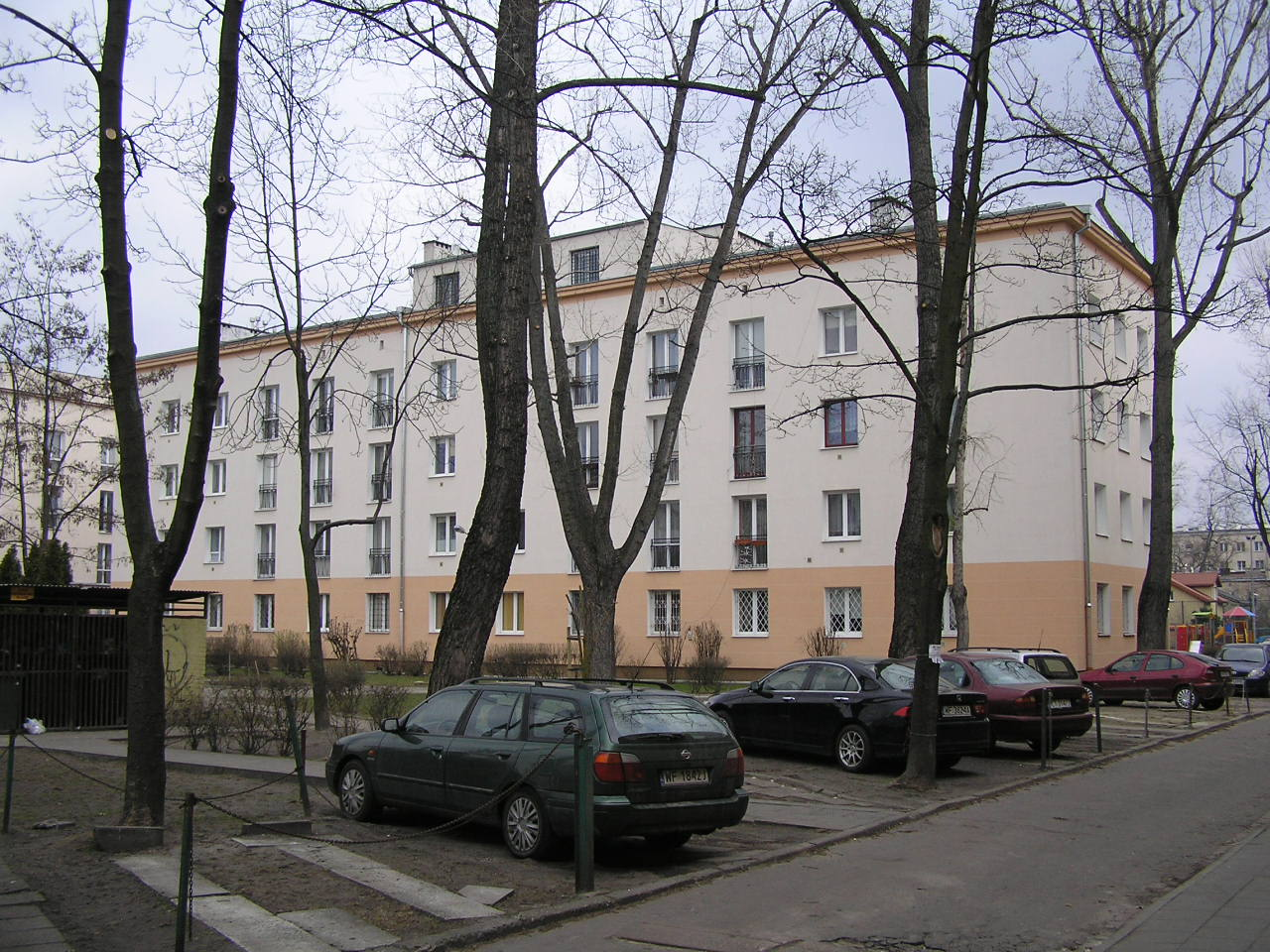 Budynek przy ulicy Dwernickiego 23A na Grochowie