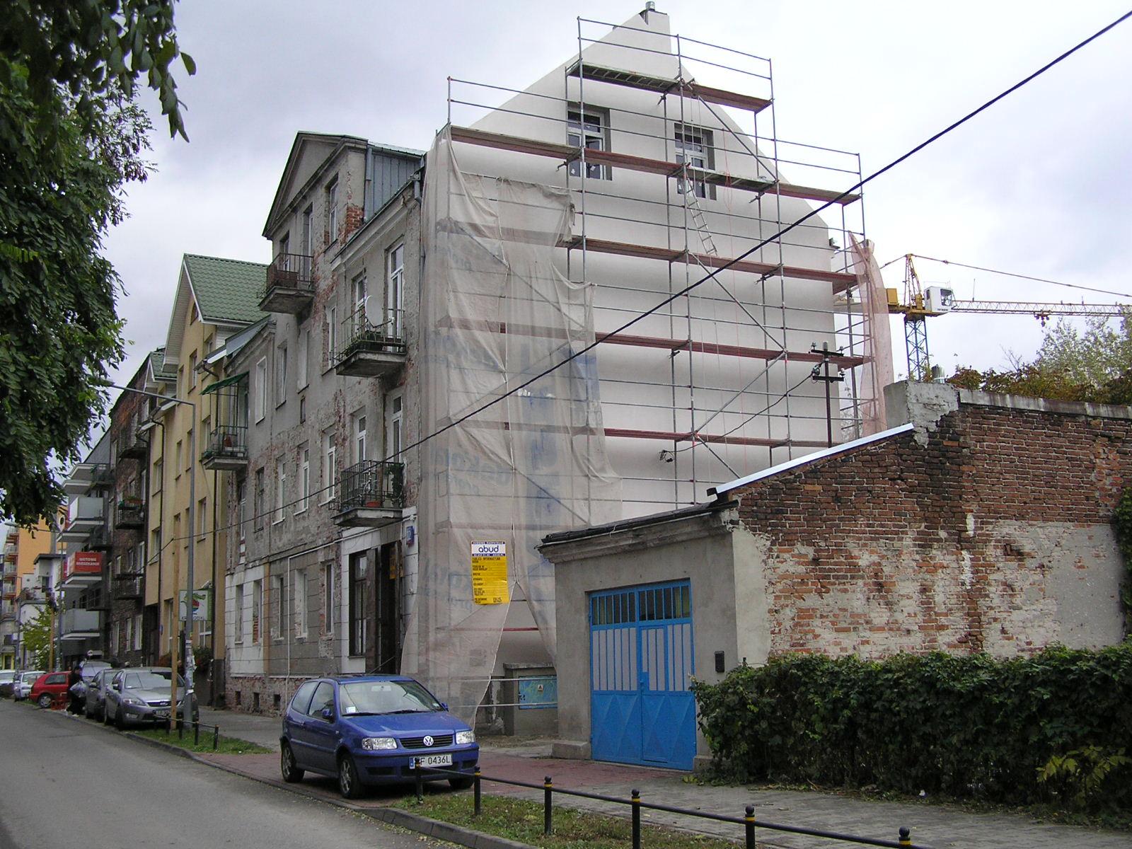 Czapelska 22 odzyska balkon i dawny blask