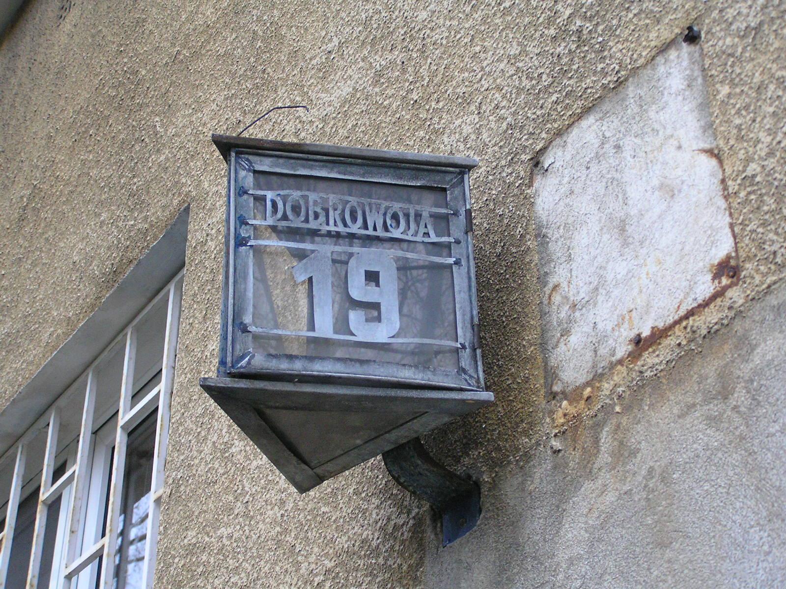 Latarenka adresowa - Dobrowoja 19