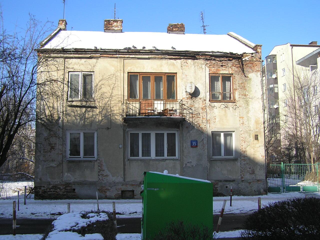 Kamienica przy ulicy Krypskiej 35 na Grochowie