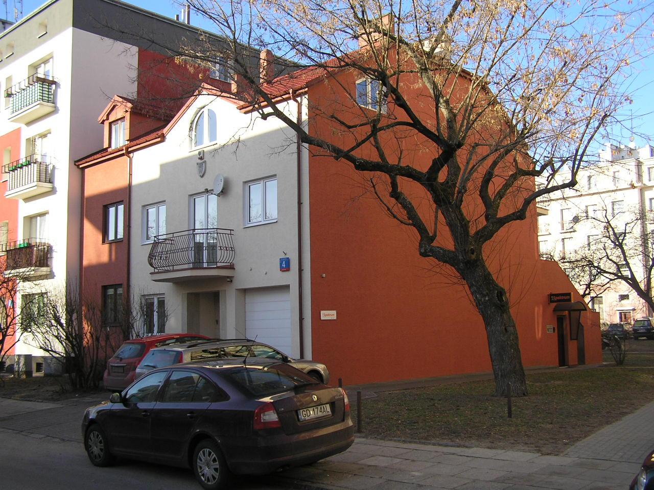 Budynek przy ulicy Lubomira 4 na Grochowie