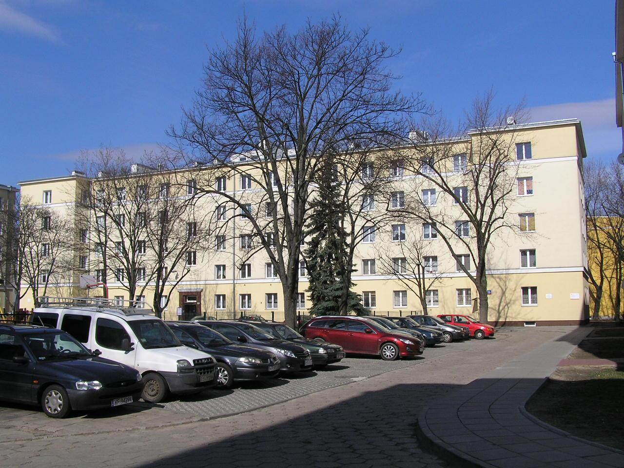 Budynek przy ulicy Podskarbińskiej 10A na Grochowie