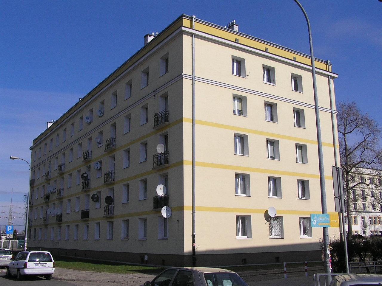 Budynek przy ulicy Siennickiej 42 na Grochowie