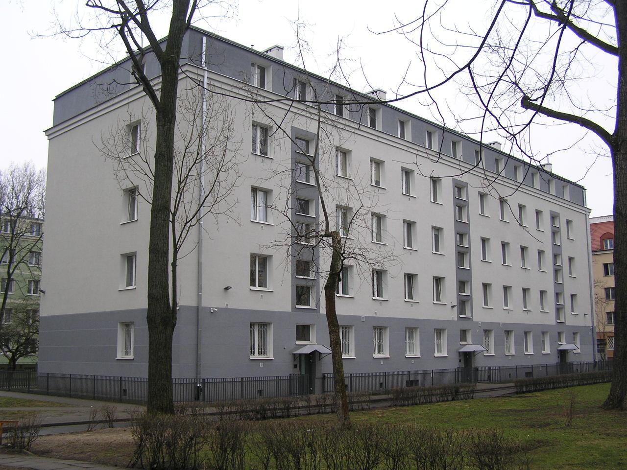 Budynek przy ulicy Wiatracznej 27A na Grochowie