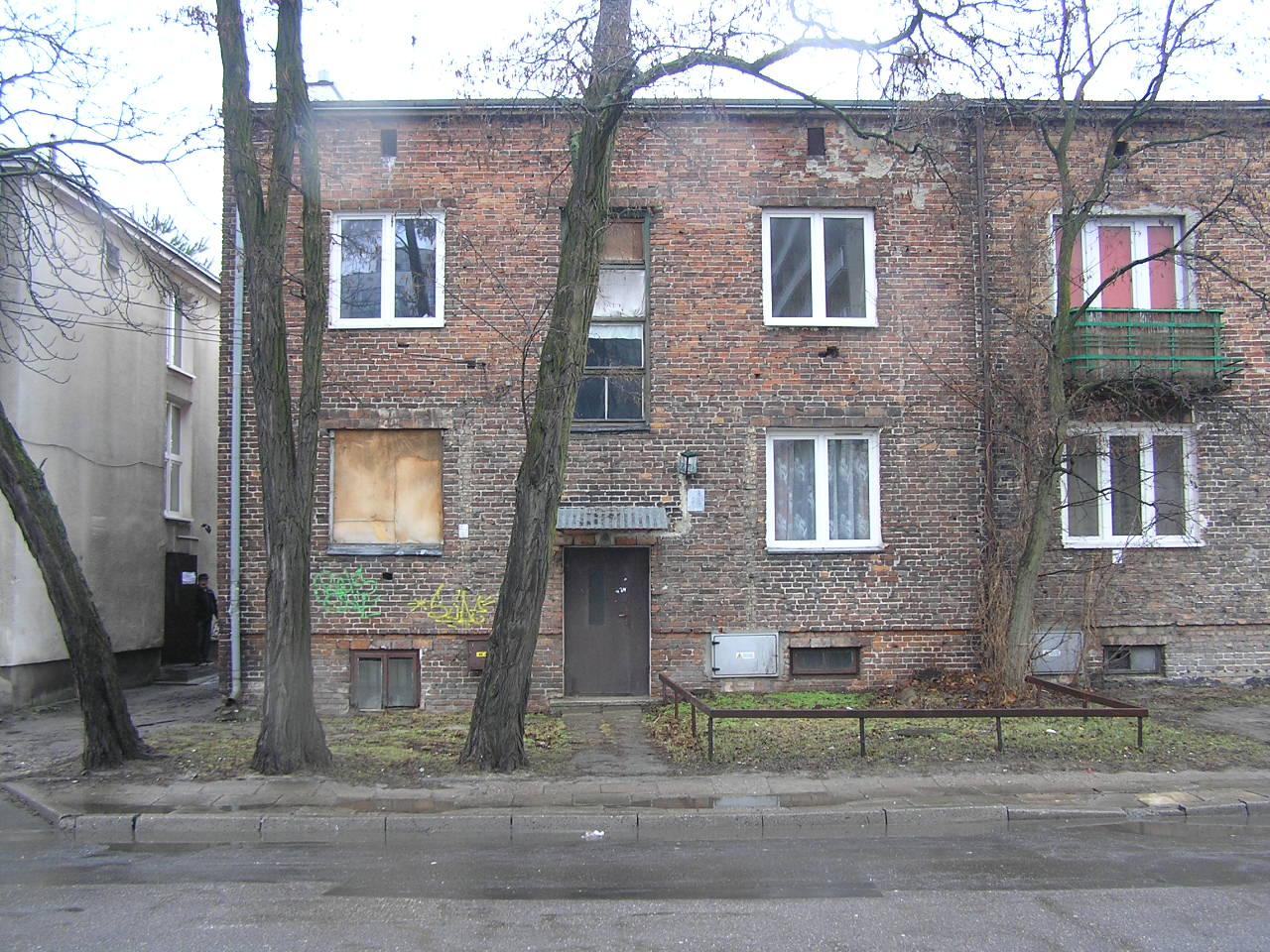 Kamienica przy ulicy Omulewskiej 23 na Grochowie