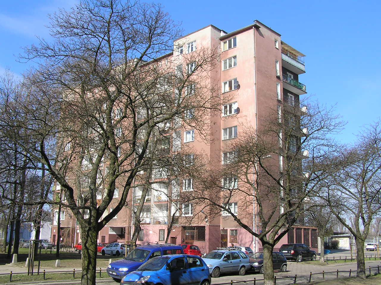 Budynek przy ulicy Siennickiej 23 na Grochowie